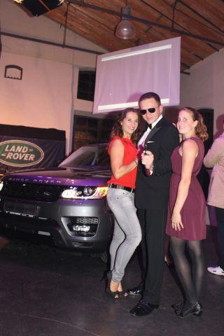 Bond mit den Girls
